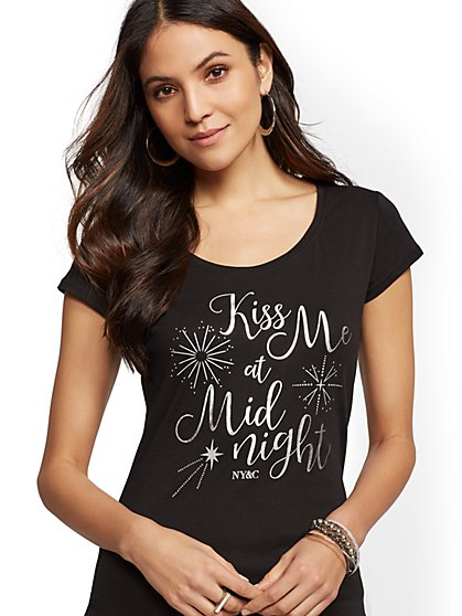 "Metallic-Foil ""Kiss Me at Midnight"" Graphic Logo Tee - New York & Company"