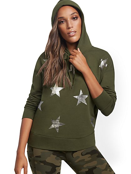 Metallic Foil Star Graphic Hooded Sweatshirt - New York & Company