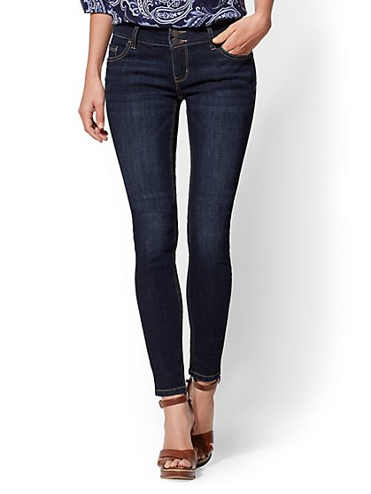 Mid-Rise Curve Creator Super-Skinny Jeans - Contour Stretch - New York & Company