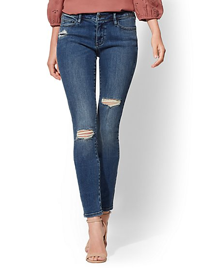 Mid-Rise Curvy Super-Skinny Jeans - New York & Company