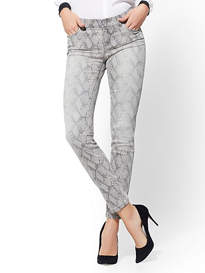 Mid-Rise Snakeskin-Print Super-Skinny Jeans - New York & Company