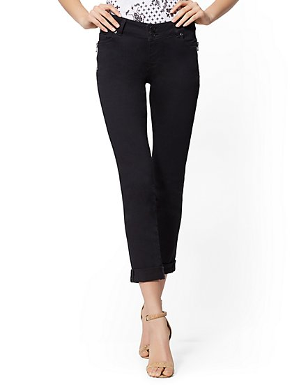 Mid-Rise Zip-Accent Boyfriend Jeans - New York & Company