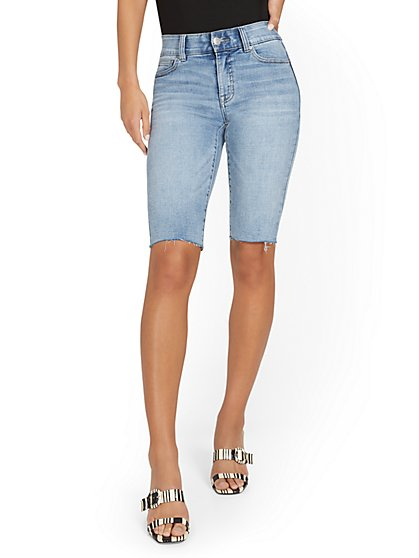 Mya Curvy High-Waisted Sculpting No Gap 13-Inch Bermuda Short - New York & Company