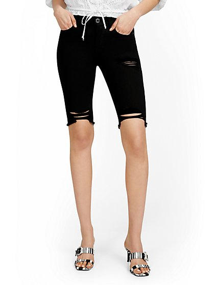 Mya Curvy High-Waisted Sculpting No Gap 13-Inch Shorts - Black - New York & Company