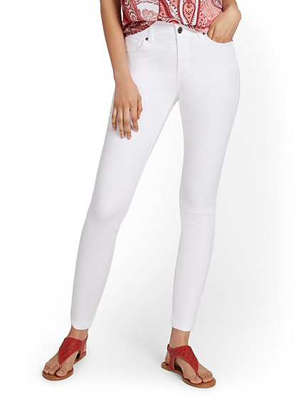 Mya Curvy High-Waisted Sculpting No Gap Super-Skinny Ankle Jeans - White - New York & Company