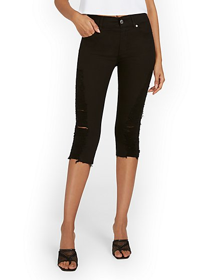 Mya Curvy High-Waisted Sculpting No Gap Super-Skinny Capri Jeans - Black - New York & Company