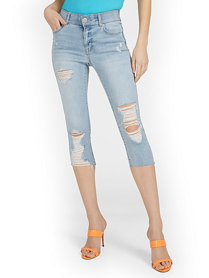 Mya Curvy High-Waisted Sculpting No Gap Super-Skinny Capri Jeans - Light Wash - New York & Company