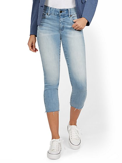 Mya Curvy High-Waisted Sculpting No Gap Super-Skinny Capri Jeans - Vector Blue - New York & Company