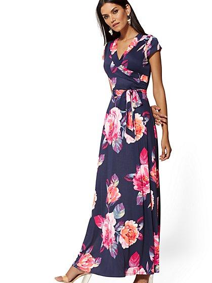 addb03e1fd4 Navy Floral Wrap Maxi Dress - New York   Company ...