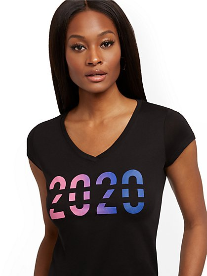 "Ombre ""2020"" Graphic Tee - New York & Company"