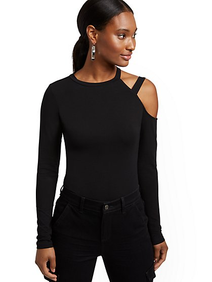 One-Shoulder Manhattan Tee - New York & Company