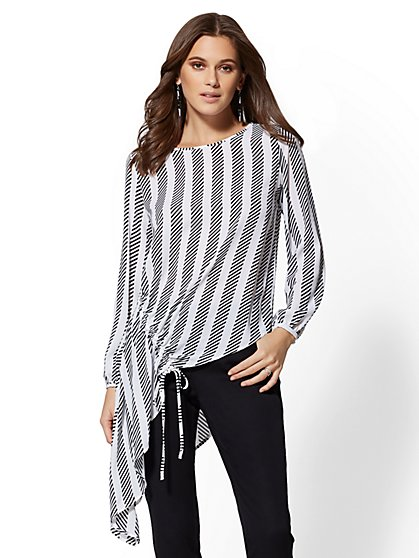Petite Black & White Asymmetrical-Hem Tunic Blouse - New York & Company