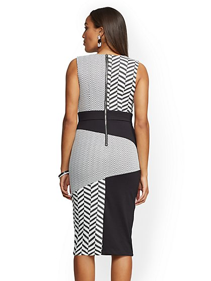 515be137e1a ... Petite Black   White Chevron-Print Sheath Dress - New York   Company