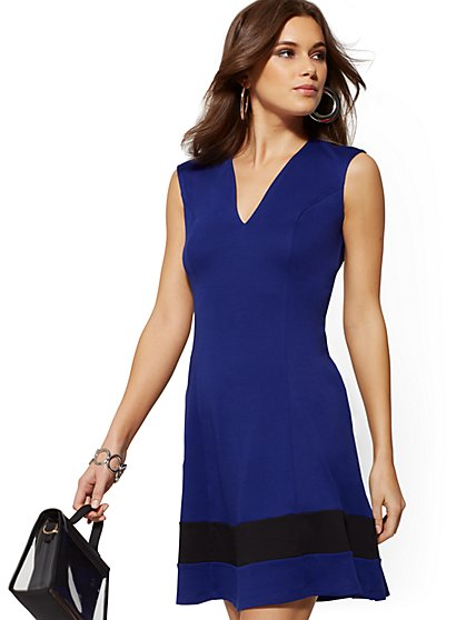 Petite Cotton Colorblock V-Neck Dress - New York & Company