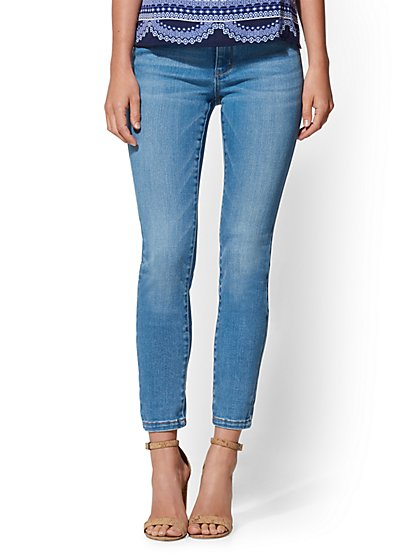 Petite High-Waist Legging- NY&C Runway - Super Stretch - Soho Jeans - New York & Company