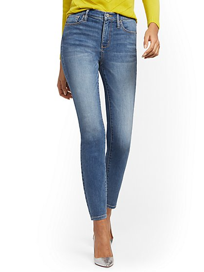 Petite High-Waisted Curvy Skinny Jeans - Blue Dusk - New York & Company
