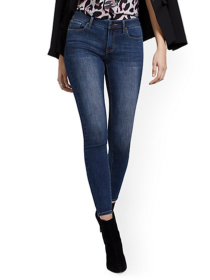 Petite Lexi Mid-Rise Super-Skinny Ankle Jeans - Blue Hustle - New York & Company