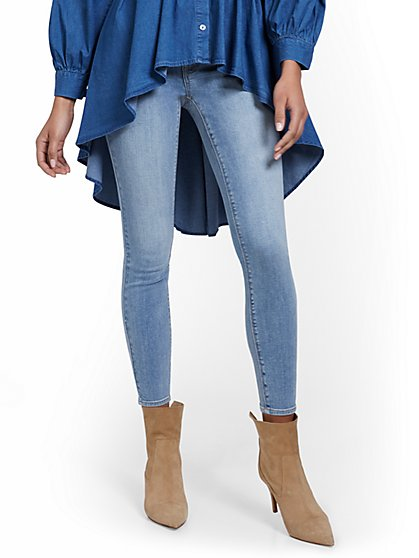 Petite Lexi Mid-Rise Super-Skinny Ankle Jeans - Blue Rock - New York & Company