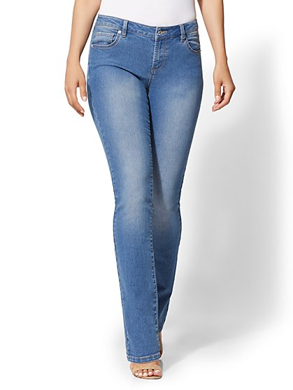 Petite Mid-Rise Bootcut Jeans - Essential Stretch - New York & Company