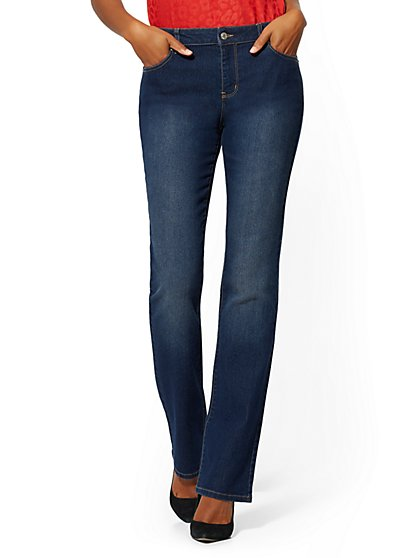 Petite Mid-Rise Essential Bootcut Jeans - Blue Honey - New York & Company