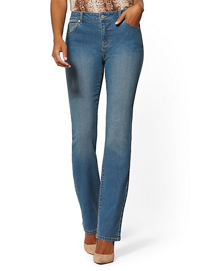 Petite Mid-Rise Essential Bootcut Jeans - Razor Blue - New York & Company