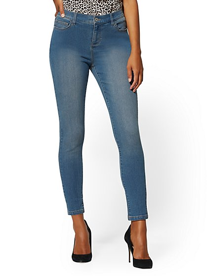 Petite Mid-Rise Essential Super-Skinny Jeans - Razor Blue - New York & Company