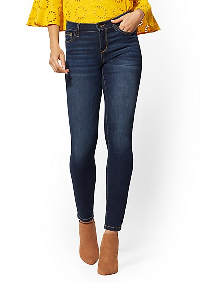 Petite Mid-Rise Super-Skinny Jeans - Moonlight Blue - New York & Company