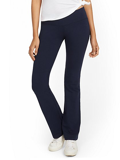 Petite Mid-Rise Yoga Bootcut Pant - New York & Company