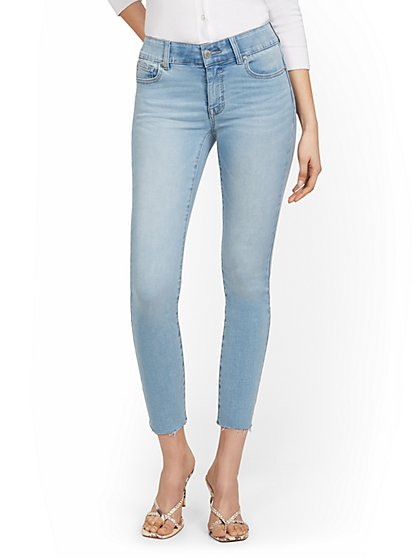 Petite Mya Curvy High-Waisted Sculpting No Gap Super-Skinny Ankle Jeans - Light Wash - New York & Company