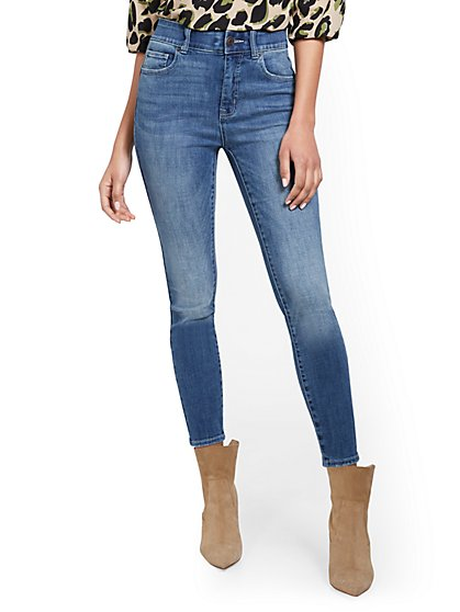 Petite Mya Super High-Waisted Sculpting No Gap Super-Skinny Ankle Jeans - New York & Company