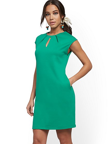 Petite Pleated Cotton Keyhole Shift Dress - New York & Company