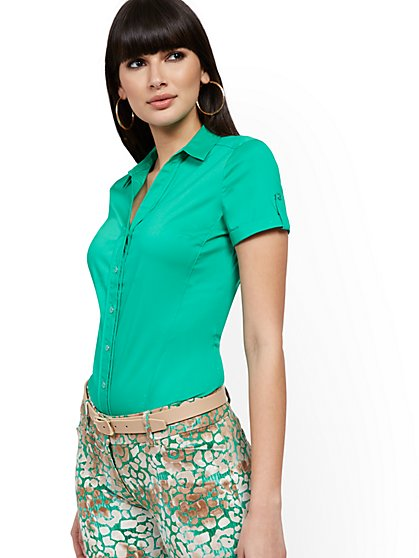 Petite Short-Sleeve Madison Stretch Shirt - Secret Snap - 7th Avenue - New York & Company