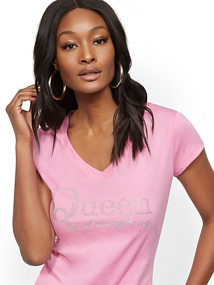 "Pink ""Queen of Everything"" Tee - New York & Company"