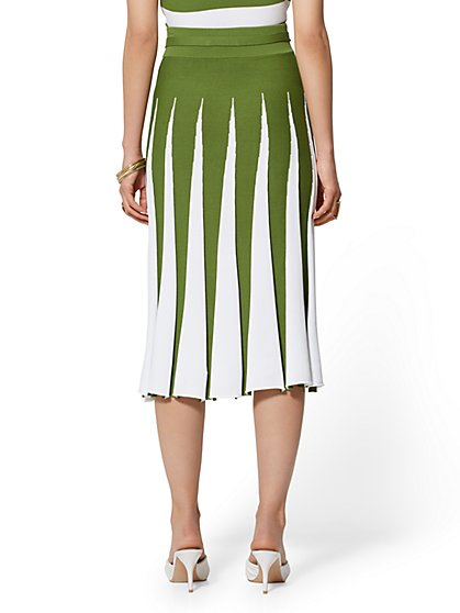 70e37ad09b2 ... Pleated Sweater Skirt - 7th Avenue - New York   Company ...