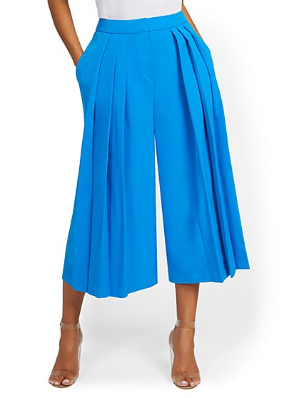 Pleated Wide-Leg Capri Pant - New York & Company