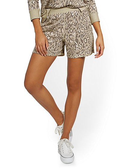 Reversible Leopard-Print Lounge Short - New York & Company