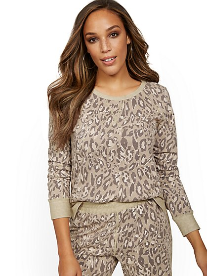 Reversible Leopard-Print Lounge Top - New York & Company