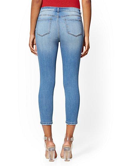 15bb0e5cd25 ... Rip & Repair Crop Legging - Indigo - Soho Jeans - New York & Company