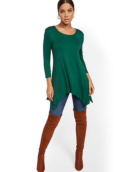 Sharkbite-Hem Tunic Top - New York & Company
