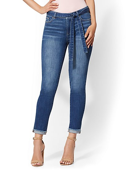 Soho Jeans - High-Waist Boyfriend Jeans - Blue Rapids - New York & Company