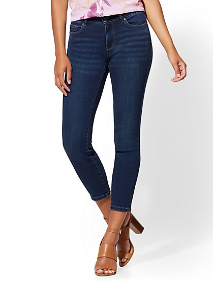 Soho Jeans - High-Waist Curvy Ankle Legging - Highland Blue Wash - New York & Company