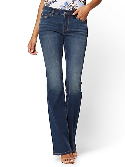 Soho Jeans - Petite Curvy Bootcut - Flawless Blue Wash - New York & Company