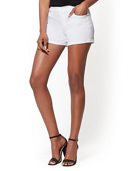 Soho Jeans - White 4-Inch Bowery Short - New York & Company