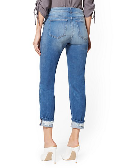 f4ec3a4dfce ... Soho Jeans - Zip-Accent Curvy Boyfriend - Insider Blue - New York    Company