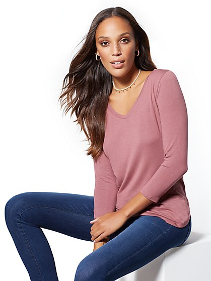 Soho Soft Tee - Berry V-Neck Top - New York & Company