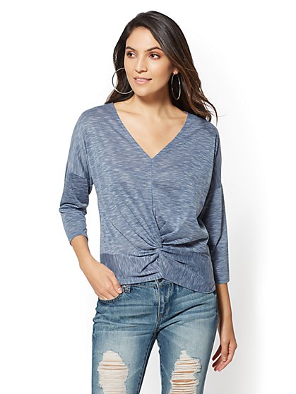Soho Soft Tee - Space-Dye V-Neck Top - New York & Company