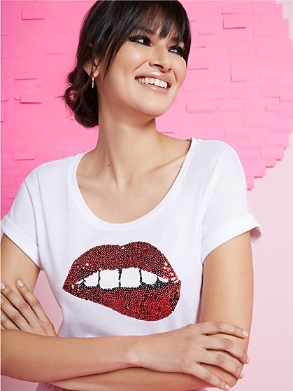 Sparkle Lips Graphic Tee - New York & Company