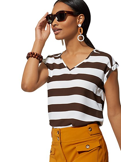 Stripe V-Neck Tee - 7th Avenue - New York & Company