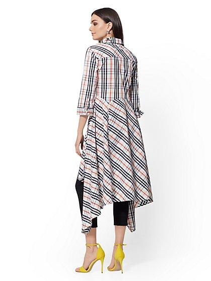 f0b7d2a5e75 ... Tall White Plaid Hi-Lo Handkerchief-Hem Shirt - New York & Company