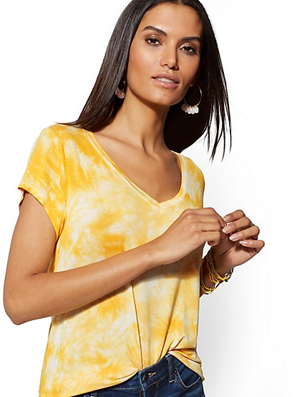 Tie-Dye V-Neck Top - Soho Soft Tee - New York & Company